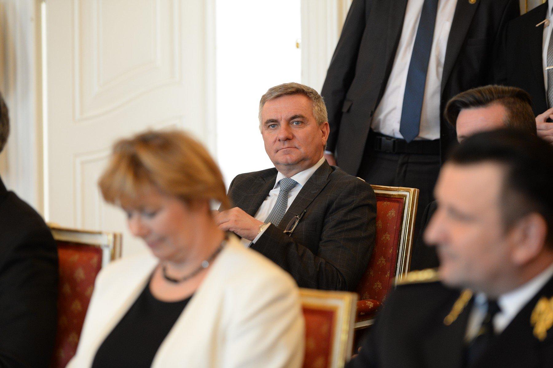 Kancléř prezidenta Zemana Vratislav Mynář.