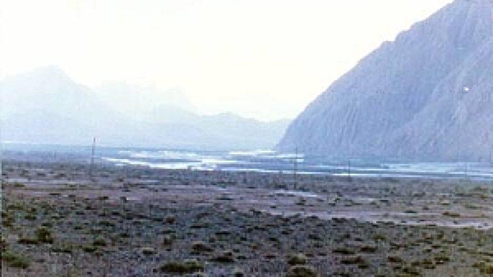 Tarimská oblast je značně vysoko a podle fotek připomíná Mongolsko