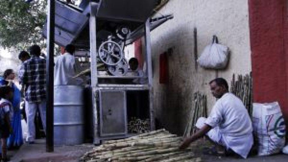 Výroba pochoutek z cukrové třtiny