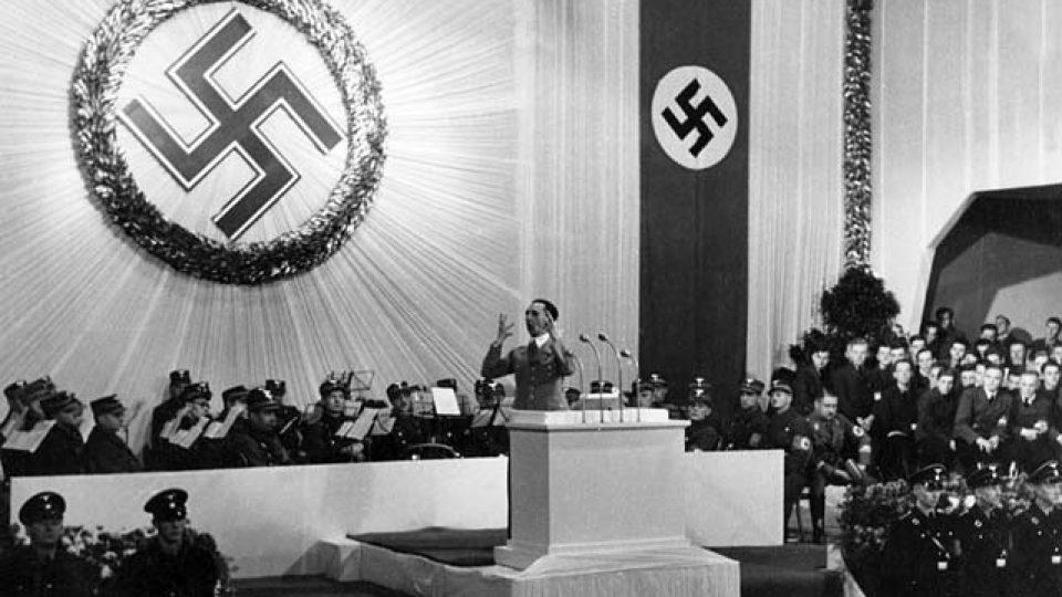 Goebbels promlouvá k novým spoluobčanům v Liberci, podzim 1938 / Goebbels addresses his new fellow citizens in Liberec (Reichenberg), autumn 1938