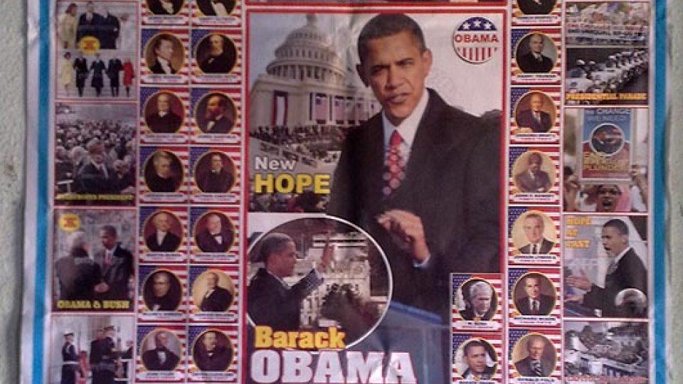 Plakát u prodejce mobilních telefonů - 1st AFRICAN AMERICAN PRESIDENT