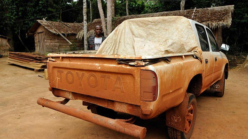 Z Bangui jsme odjížděli bílou Toyotou Hilux