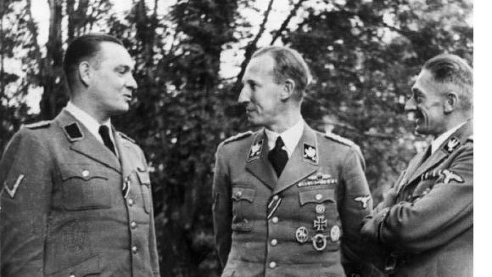 Reinhard Heydrich a Karl Hermann Frank, září 1941