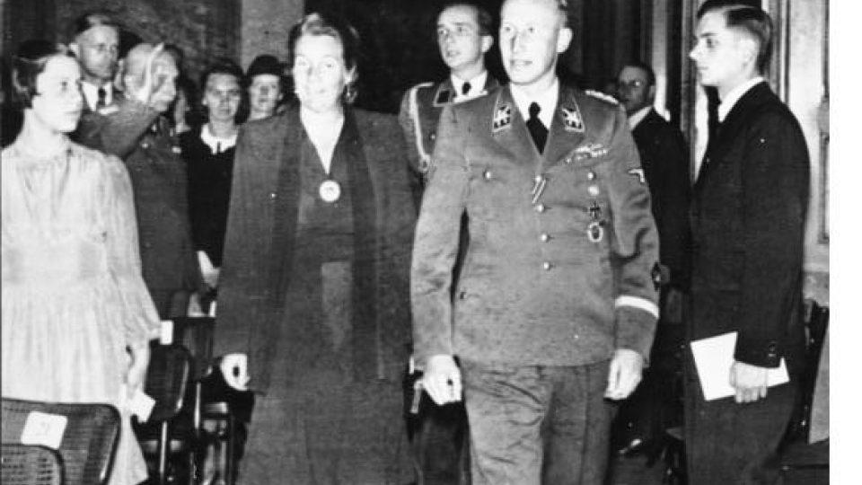 Reinhard Heydrich se svou ženou Linou