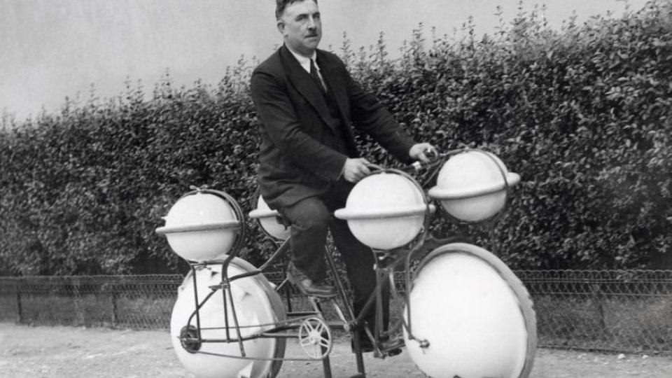 Obojživelné cyklistické kolo (1932)