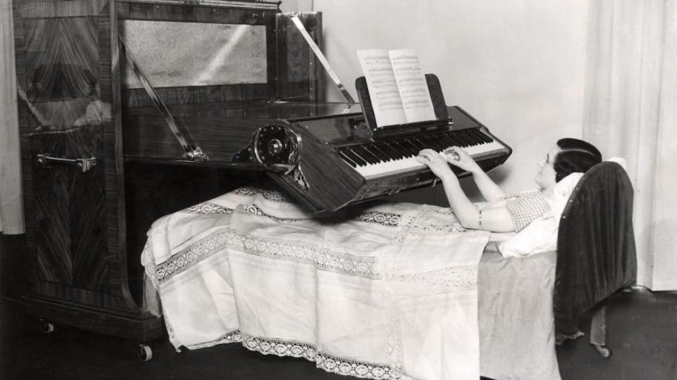 Piano do postele (1935)