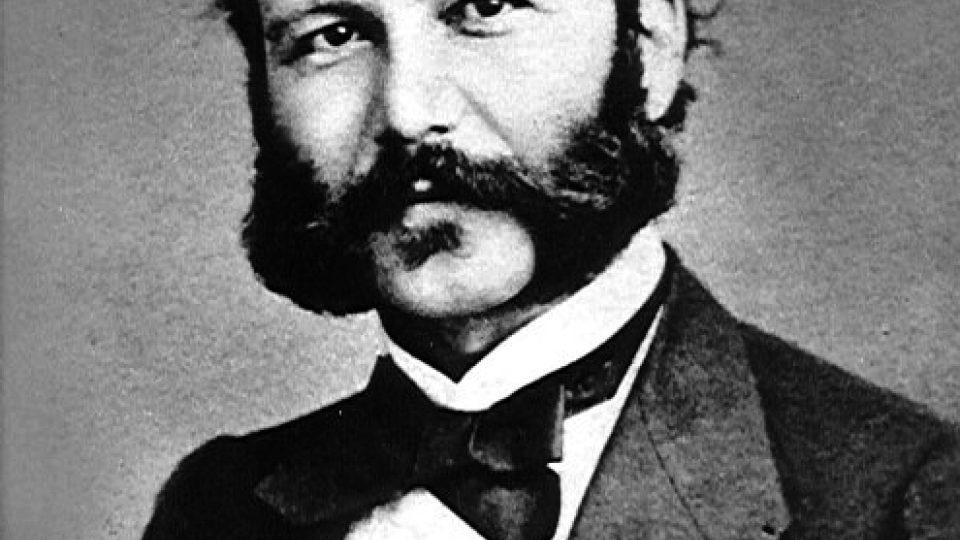Červený kříž založil švýcarský obchodník Jean Henri Dunant (portrét z let 1850-1860)
