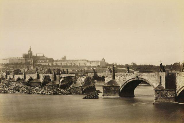 J. Ekert, Karlúv most po povodni 1890.