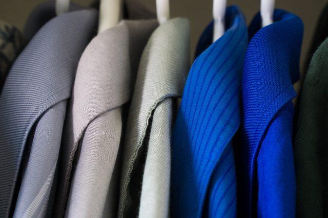 šatník, skříň, šaty, móda, nakupování